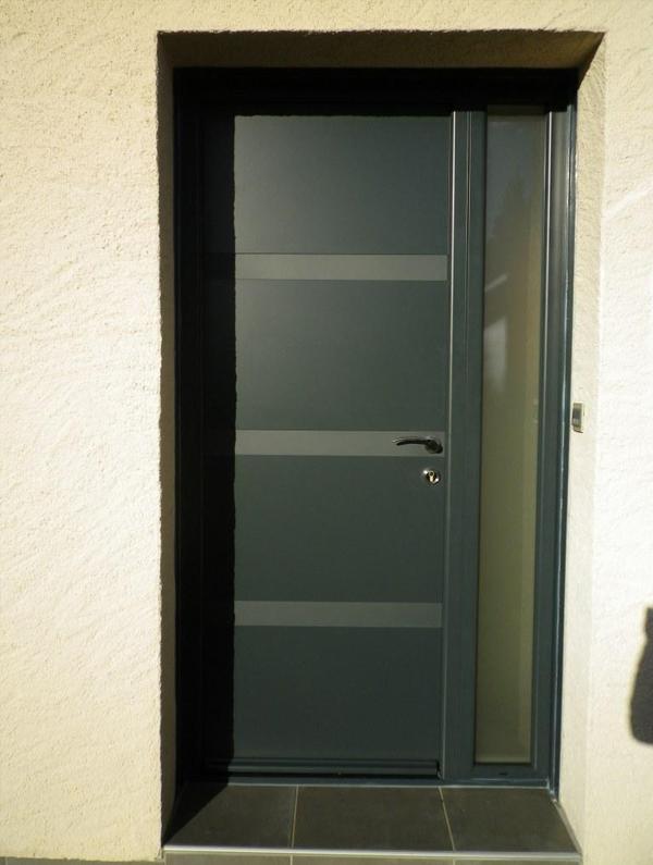 Installation et choix de votre porte d entr e au mans for Porte vitree pvc exterieur